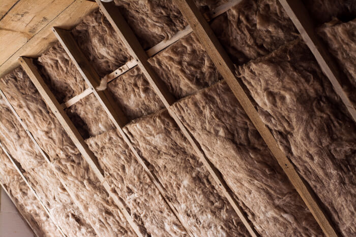 Insulating your log cabin. Things everyone should know