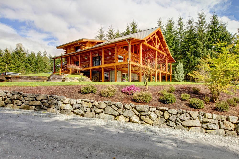 log-cabins-exterior
