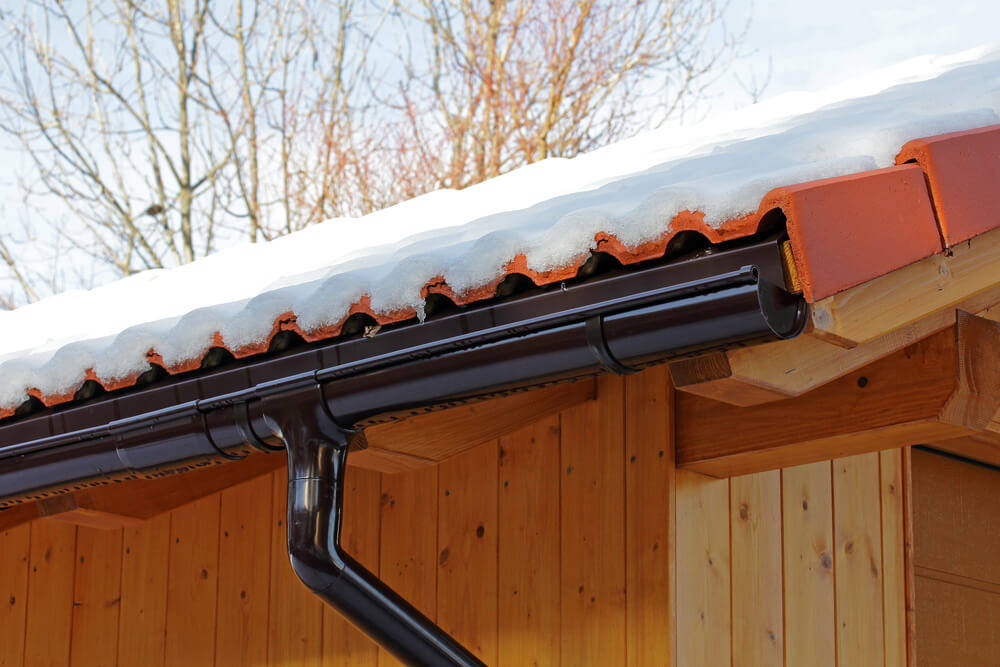 rain-pipes-wooden-garage (1)