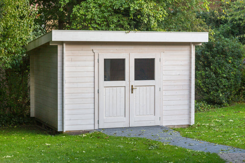 wooden-shed-prepare-for-winter