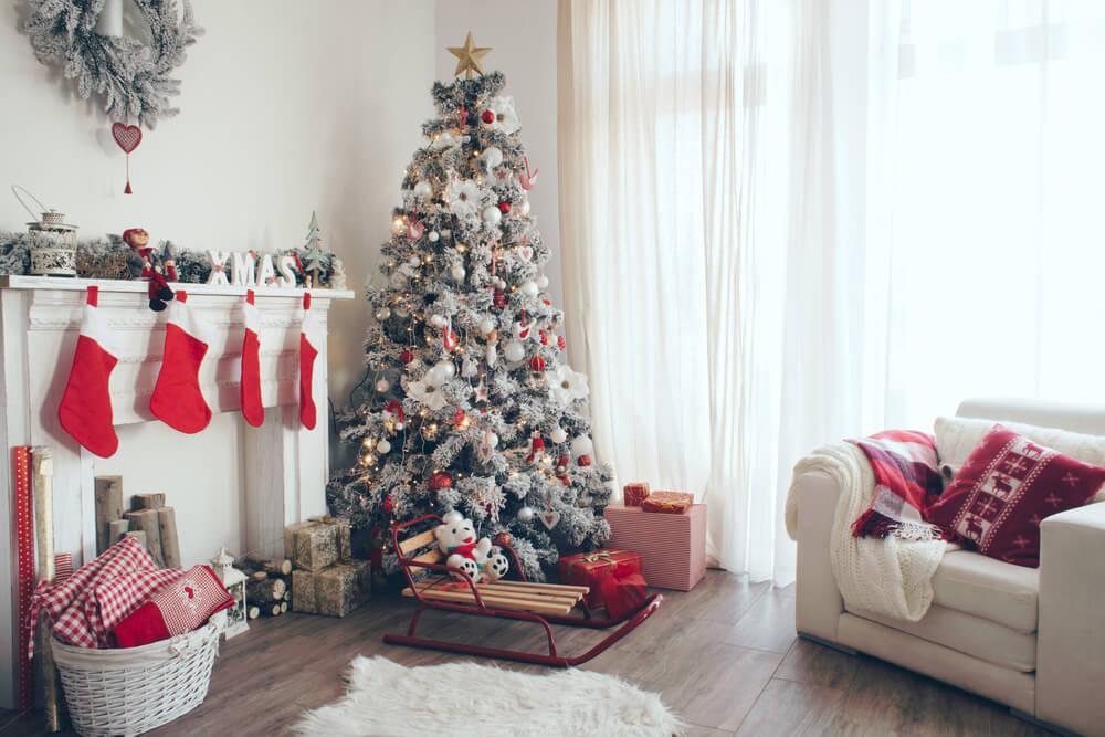 Christmas-cushions-log-cabin