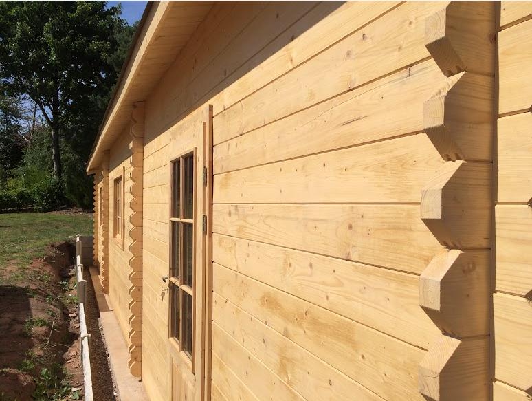 wooden-garage-wall
