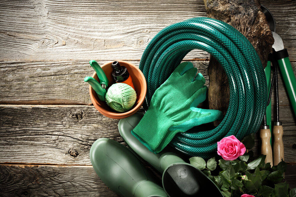 gardening-tools-wooden-sheds
