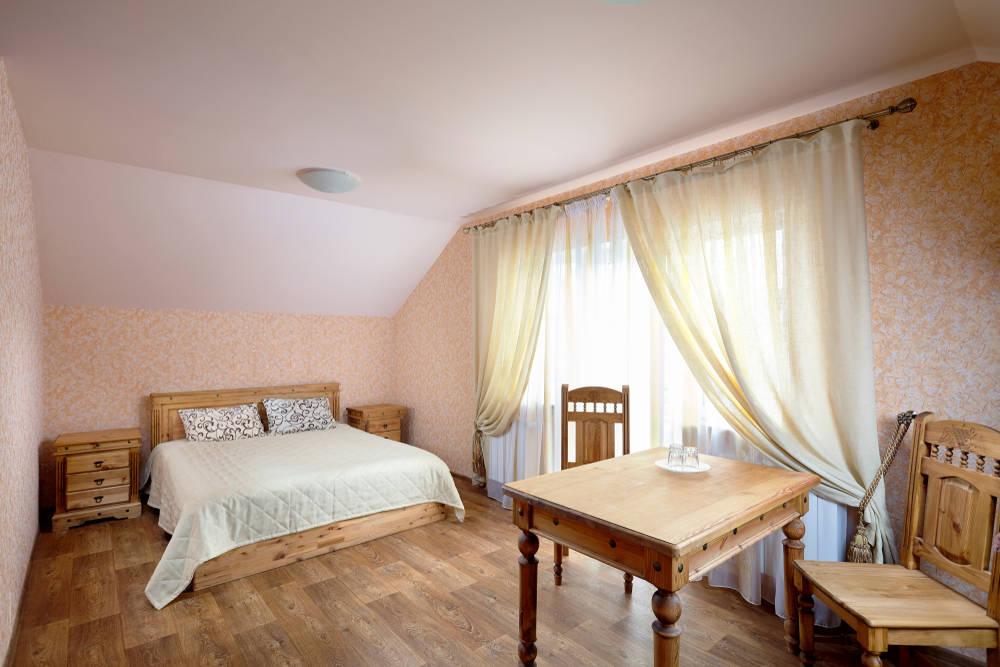 wooden-shed-bedroom