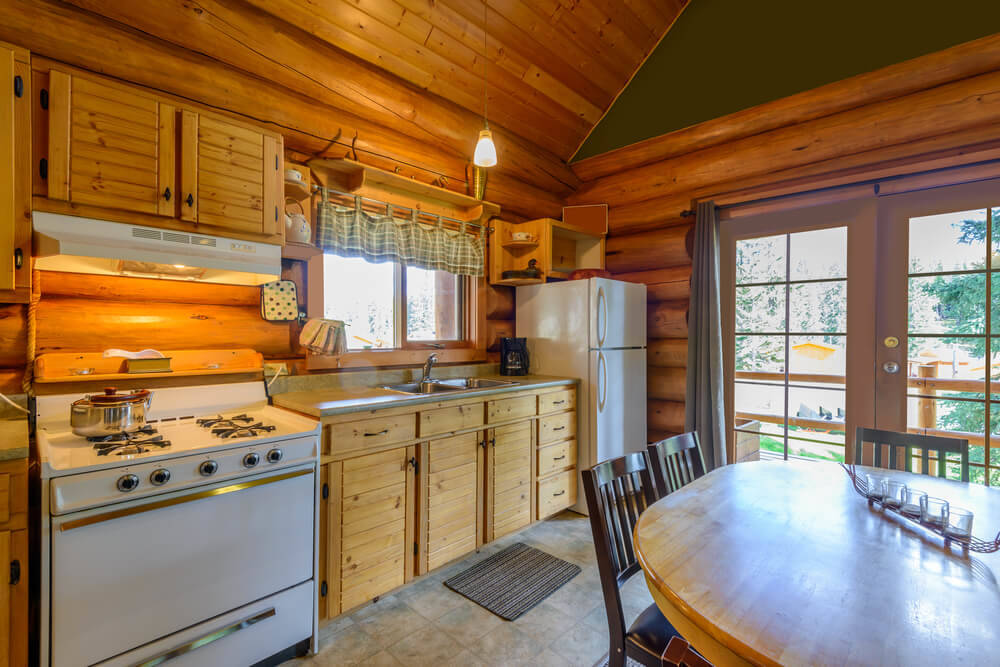 log-cabin-kitchen-settling