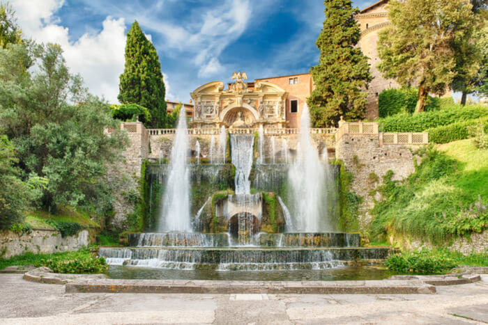 famous gardens italy